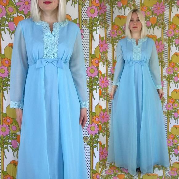 af3b28581ce Vintage 70s formal evening gown maxi dress S/M. M_5ab40a749d20f088a1f3f510